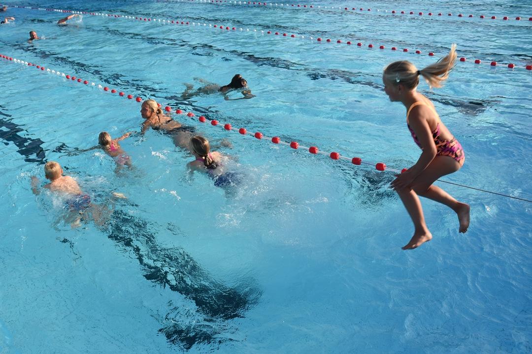 Zwemvierdaagse of workshop salto's maken Leidse ZwemWaterWeek gestart